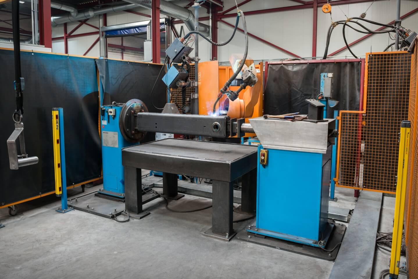 Robotlassen met Lasrobot 3 & 4 CLOOS R450 dubbele robot